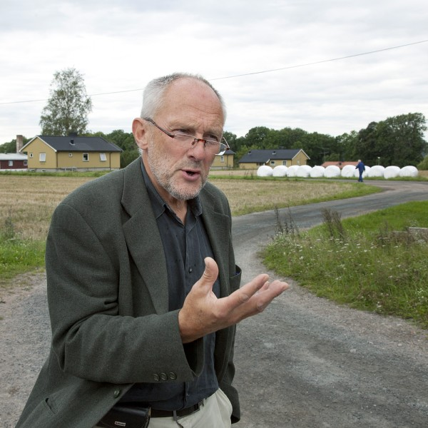 Gefängnisdirektor Arne Nilsen beim Rundgang über die Insel