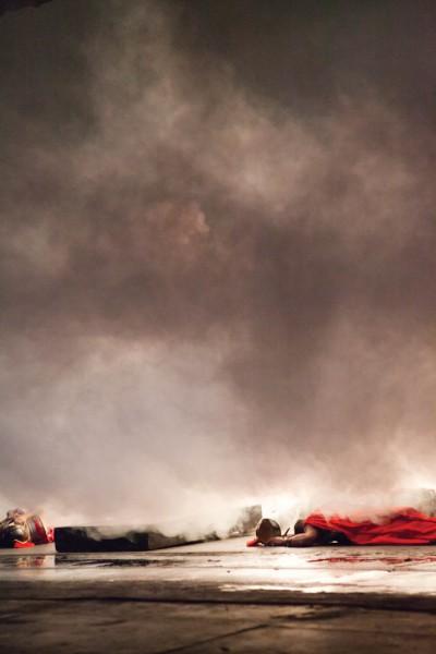 Nebelmaschinen und Feuer sorgen für die Richtige Stimmung,